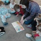 Skrzaty czytają z Panią Urszulą Bury_2