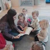 Skrzaty czytają z Panią Urszulą Bury_6