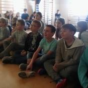 Młodzież z Sobieskiego dzieciom z Chrobrego – warsztaty z języka niemieckiego_11