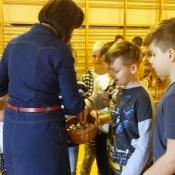 Młodzież z Sobieskiego dzieciom z Chrobrego – warsztaty z języka niemieckiego_27